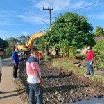 Gubernur Al Haris Tinjau Perbaikan Jalan Pulau Rengas-Muarasiau